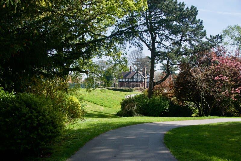 Hus i parkera arkivbilder
