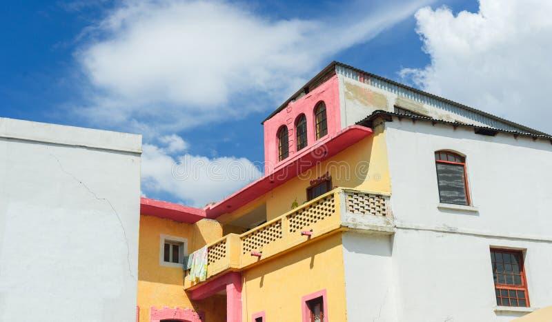 Hus i Saltillo, Mexico royaltyfri bild