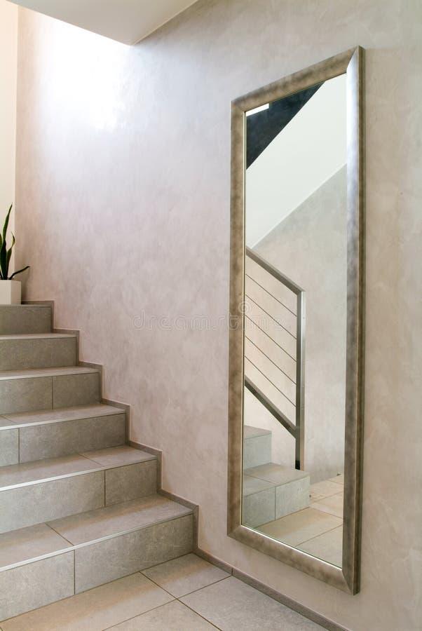 Hus inre, trappuppgångsikt fotografering för bildbyråer