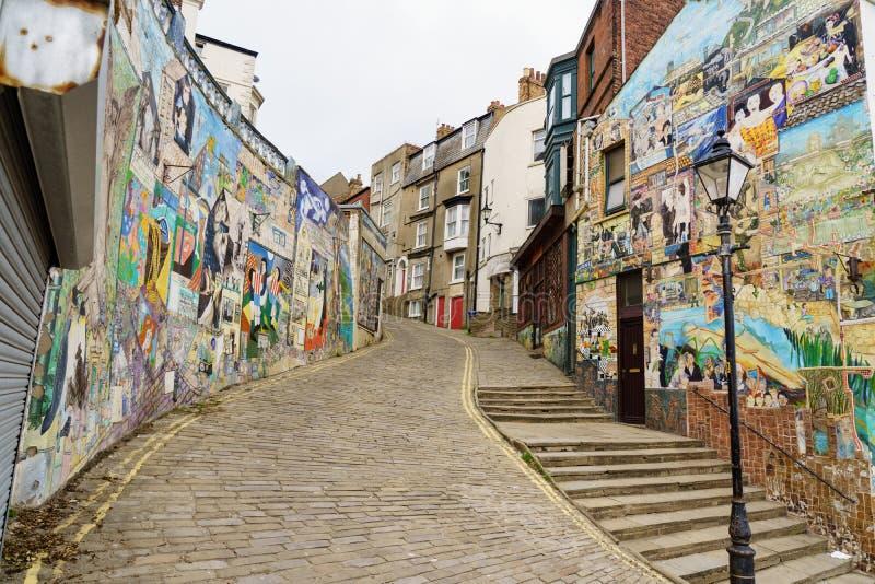 Hus med grafitti som målas på väggarna arkivfoton