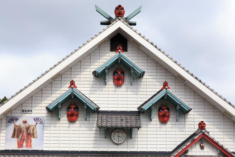 Hus med tengumaskeringar i Kirishima royaltyfria bilder