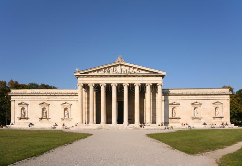 hus munich för kolonnfacadeglyptothek arkivbilder