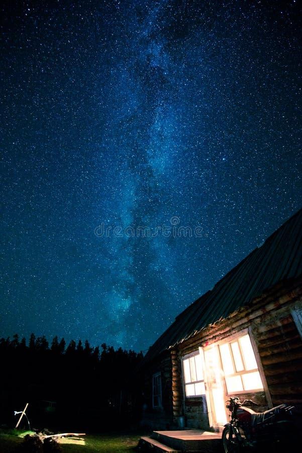 Hus och nattstjärna arkivfoton