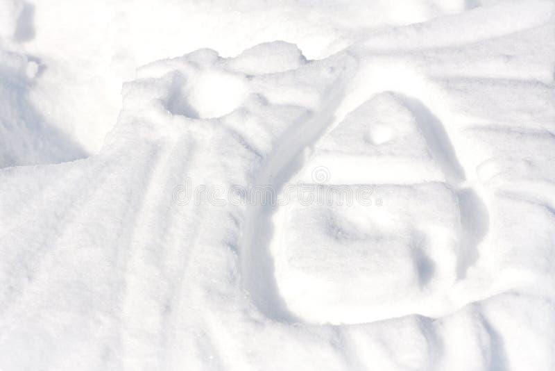 Hus som drar på snön royaltyfri fotografi