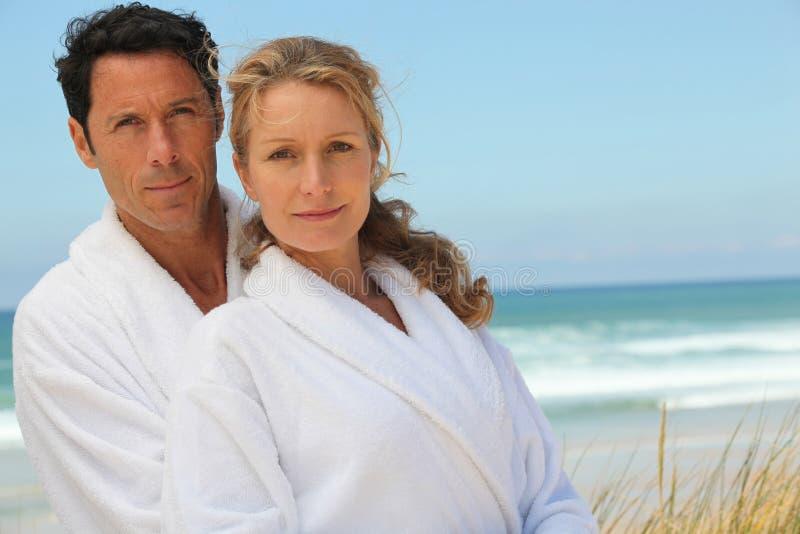 тайная любовь мужа и жены на пляже - 2