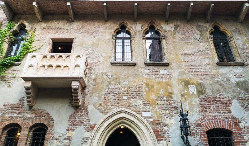 Huset av Juliet i Verona royaltyfri bild