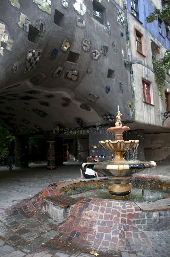 hushundertwasser royaltyfri bild