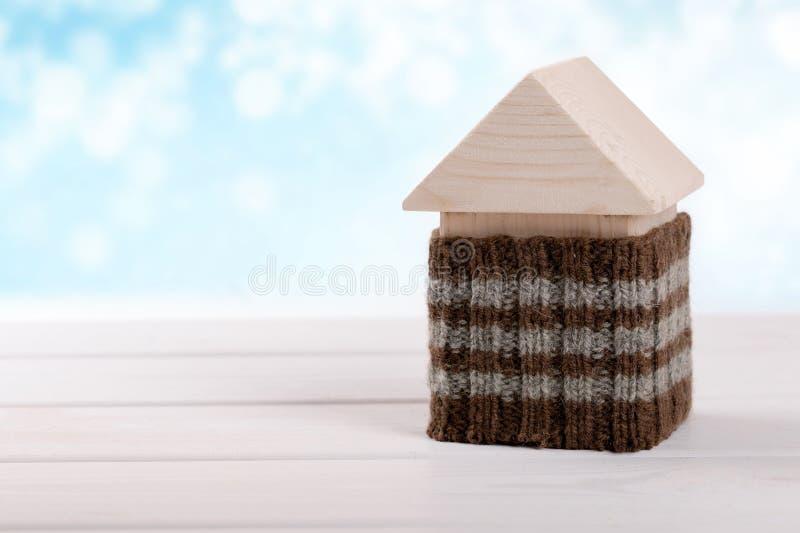 Husisolering effektivt hem- begrepp för energi fotografering för bildbyråer