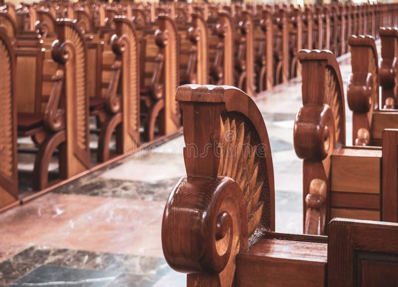 Hussar pew-säten i Lichen Basilica fotografering för bildbyråer