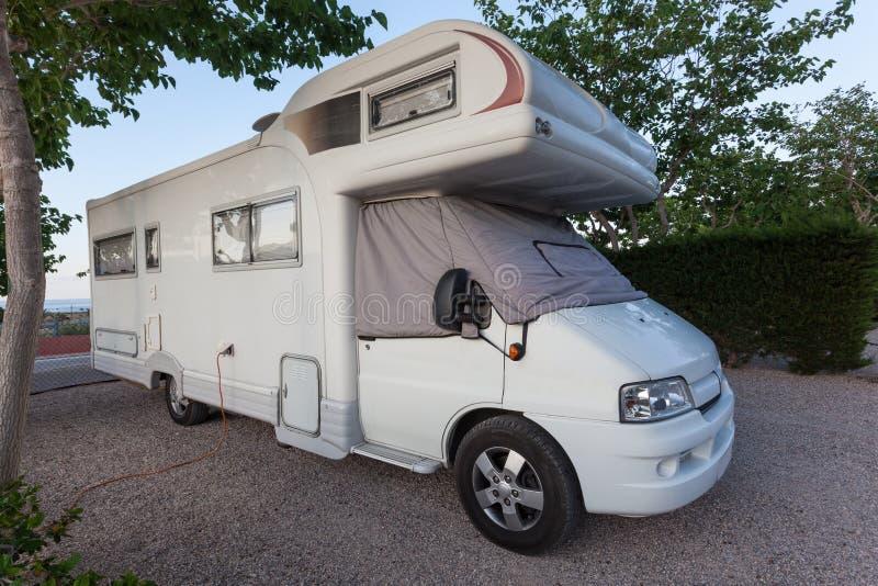 Husvagn som används som permanent hem fotografering för bildbyråer