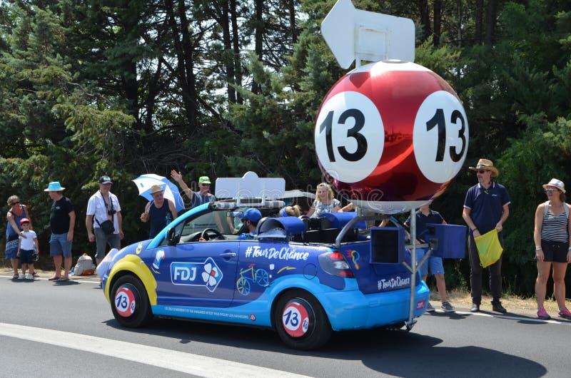 Husvagnen av turnerar Tour De France i 2019 fotografering för bildbyråer
