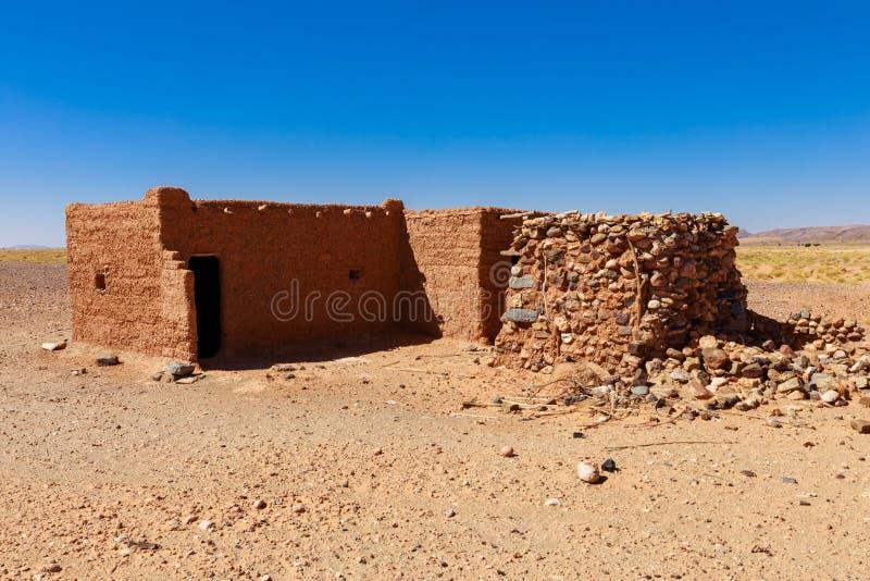 Hut Berber in de woestijn van de Sahara royalty-vrije stock afbeelding