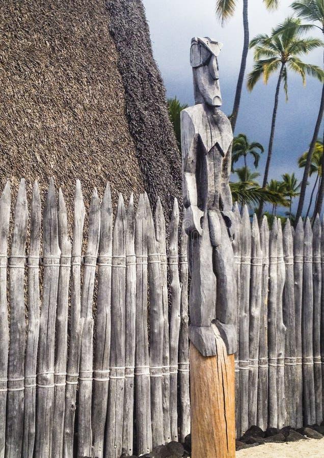 Hut, standbeeld en omheining binnen de Koninklijke Gronden of Haonau wordt gevestigd die stock fotografie
