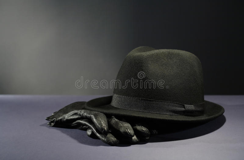 Hut und Handschuhe lizenzfreie stockfotografie
