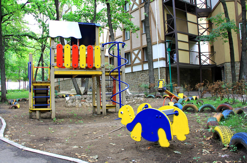 Download Hutch детей стоковое изображение. изображение насчитывающей игра - 33727763