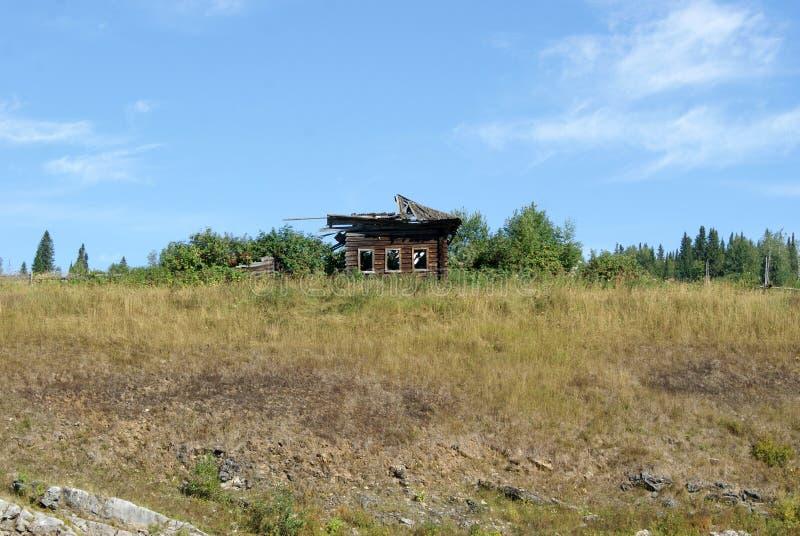 Hutte abandonnée photos stock