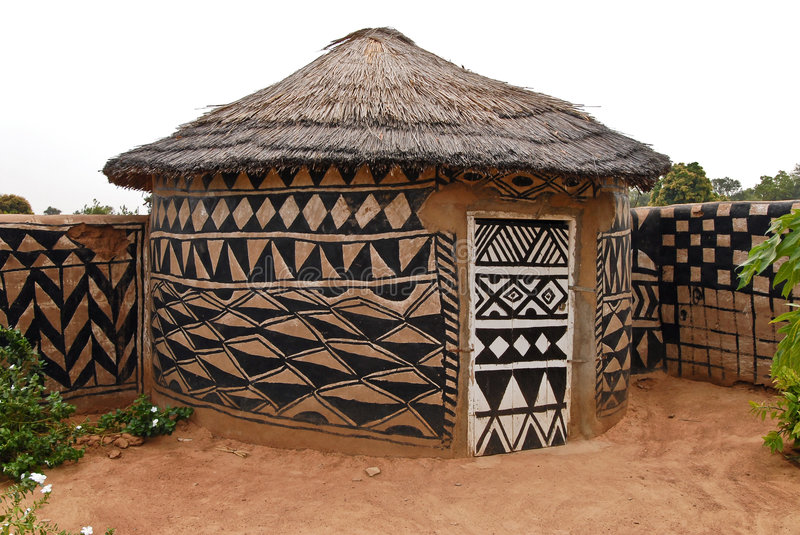Hutte africaine d'adobe images stock