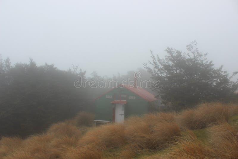 Hutte de Doc. en Nelson Lakes, Nouvelle-Zélande photos libres de droits