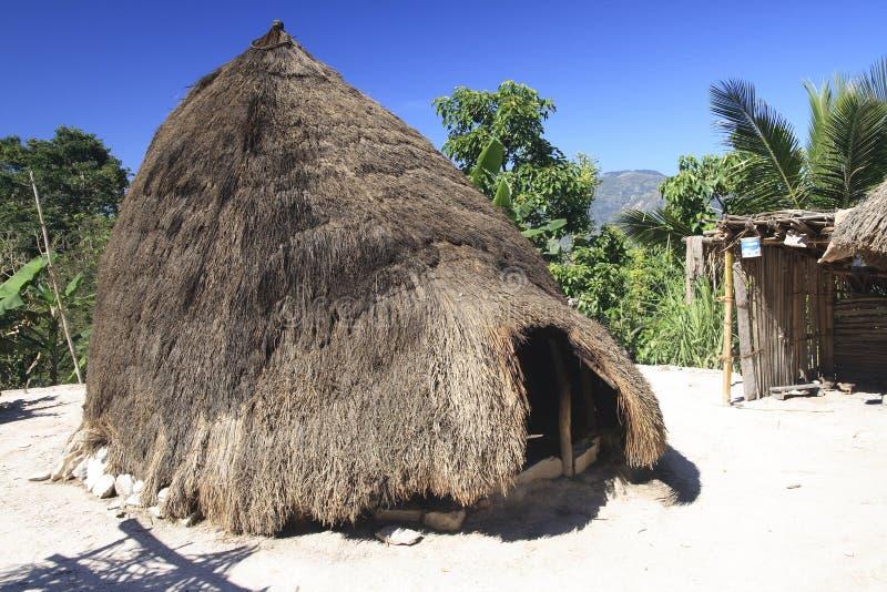 Hutte de ruche près de village de Boti, Timor occidental image libre de droits