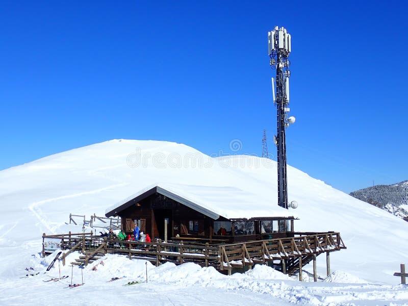 Hutte de ski de Baita de La de barre, 12083 Frabosa Sottana photo libre de droits