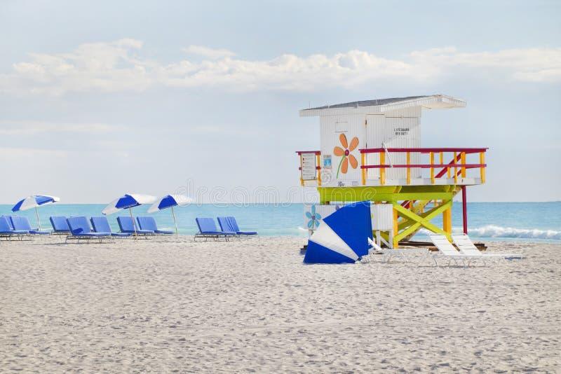 Hutte du sud de maître nageur de Miami de plage images stock