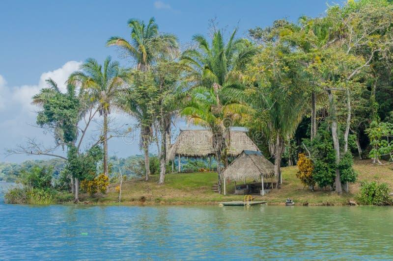 Hutten op het Kanaal van Panama royalty-vrije stock foto