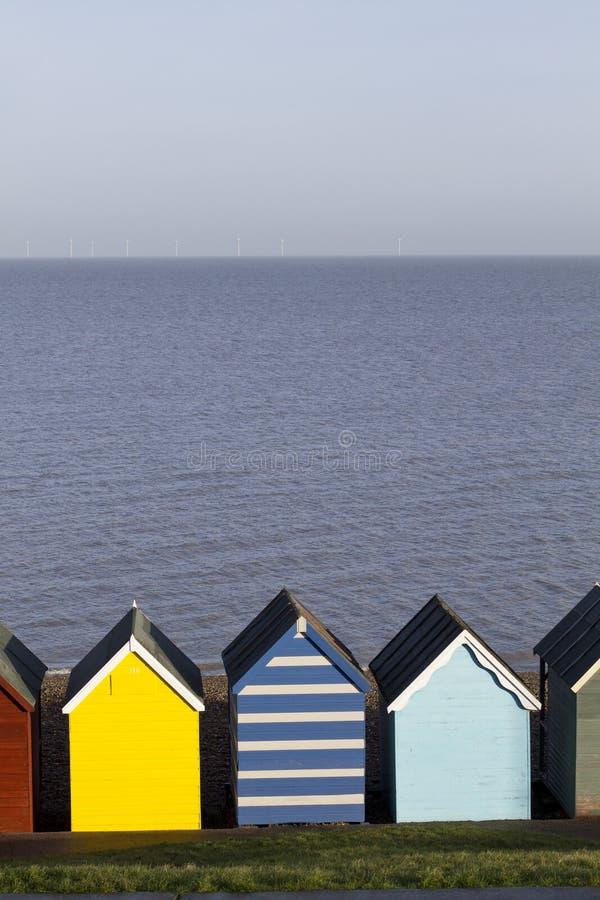 Huttes colorées de plage image libre de droits