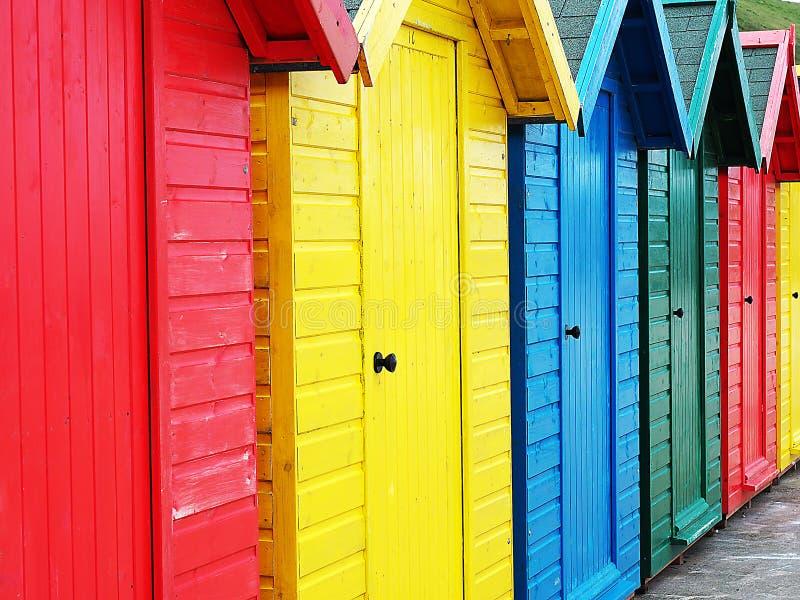 Download Huttes Colorées De Plage En Angleterre Image stock - Image du huttes, loué: 77160545
