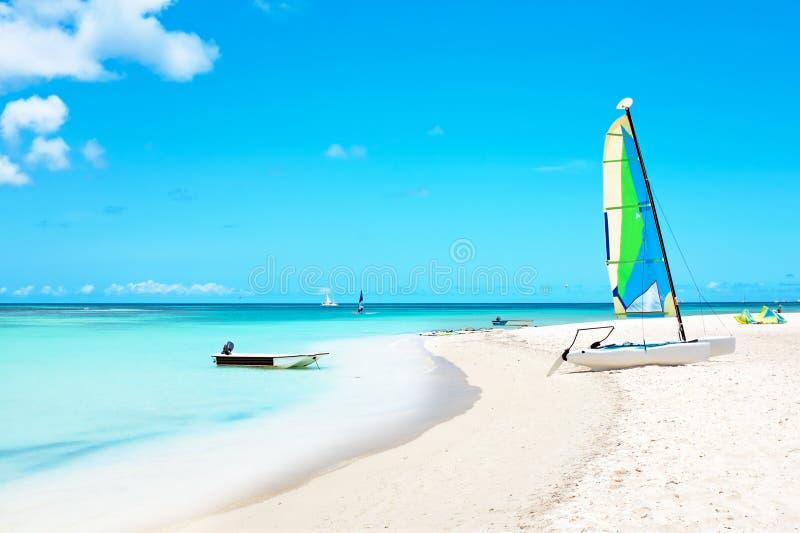 Huttes de Fishermans sur l'île d'Aruba dans les Caraïbe photo stock