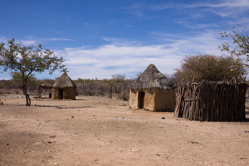 Huttes de Himba images libres de droits