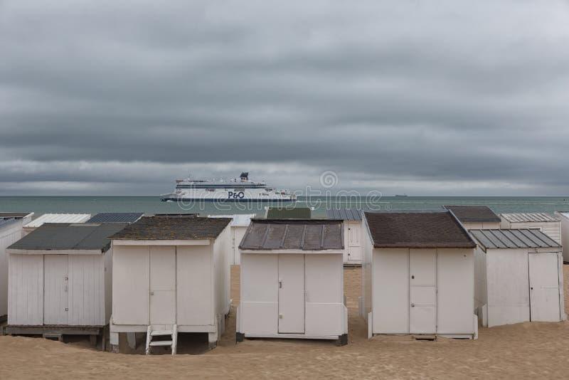 Huttes de plage à Calais photos libres de droits