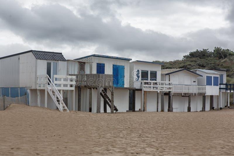 Huttes de plage à Sangatte photo stock