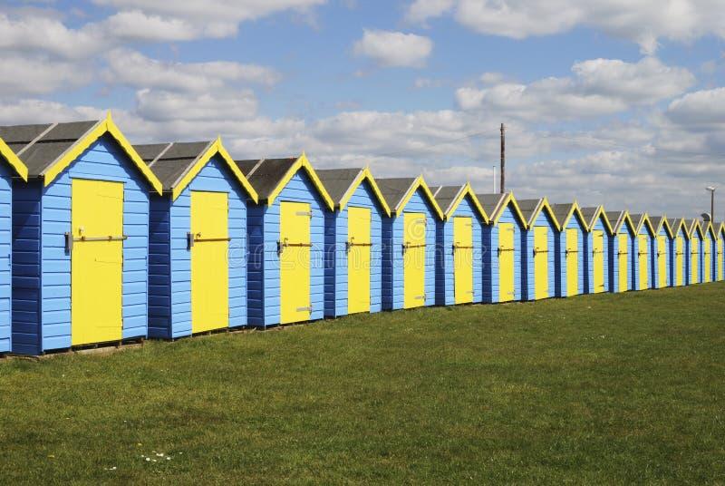 Huttes de plage chez Bognor REGIS. LE R-U photos stock