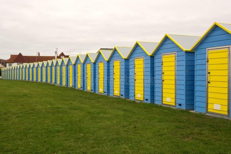 Huttes de plage chez Bognor REGIS, le Sussex, Angleterre photographie stock libre de droits