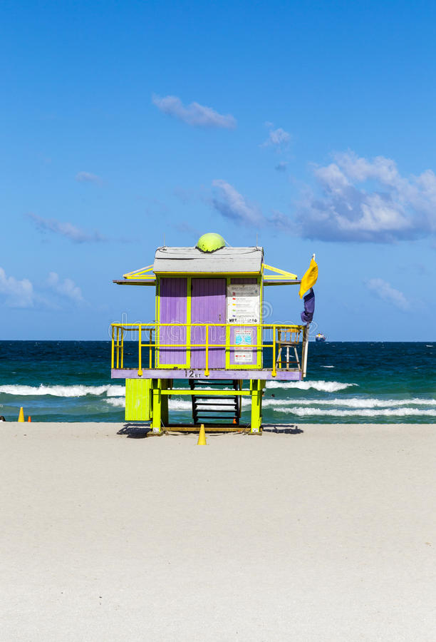 Huttes en bois de garde de vie dans le style d'art déco à Miami photo stock
