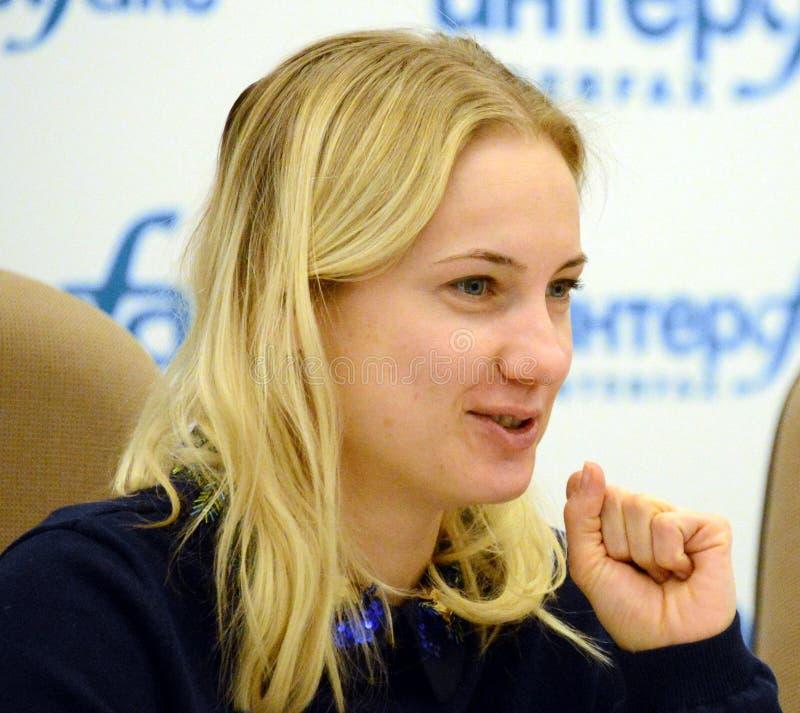 Huvud av den huvudsakliga avdelningen av sociala kommunikationer av Moskvaregionen Irina Pleshcheva royaltyfri foto