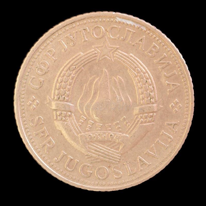 Huvud av det 5 dinar myntet som utfärdas av Jugoslavien i 1971 som visar vapenskölden av det socialistiska Förbundsrepublikenet J royaltyfri foto