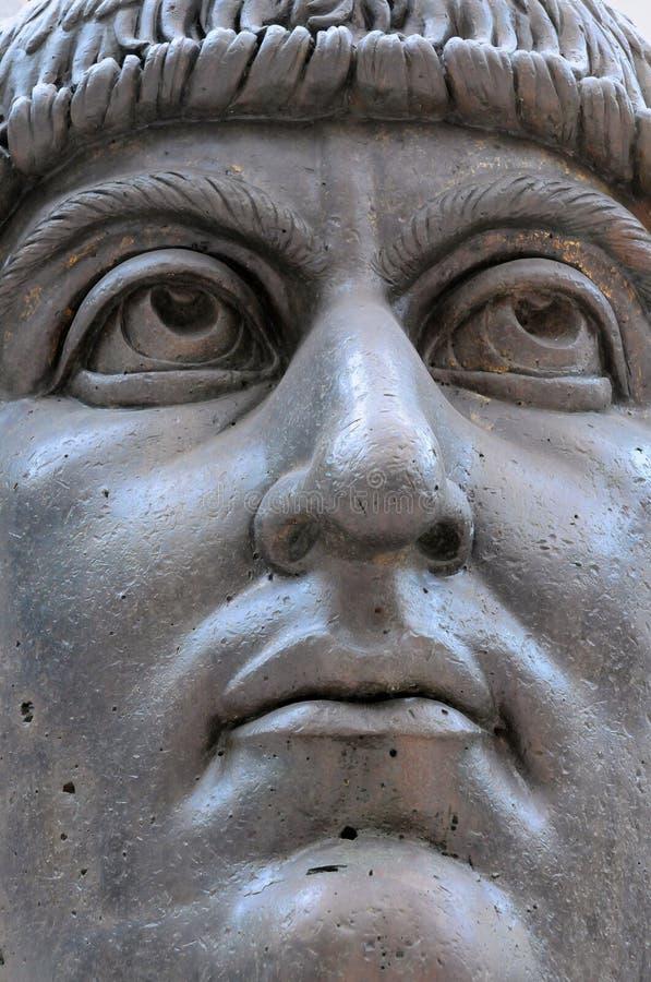 Huvud av statyn av kolossen av Constantine royaltyfri bild