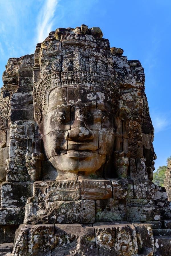 Huvud på templet i Angkor Thom, en khmertempel, Siem Reap, Cambodja Angkor Thom var den sista huvudstaden av en khmerv?lden royaltyfria foton
