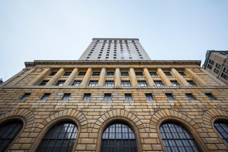 Huvudbyggnad av det Royal Bank tornet i Montreal, Quebec, Kanada Royal Bank står högt är en hög löneförhöjning från `en 1920 s arkivbild