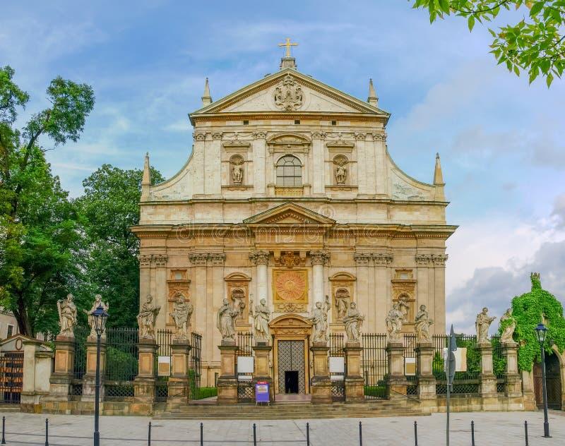 Huvudsaklig fasad av helgonen Peter och Paul Church, Krakow royaltyfri foto
