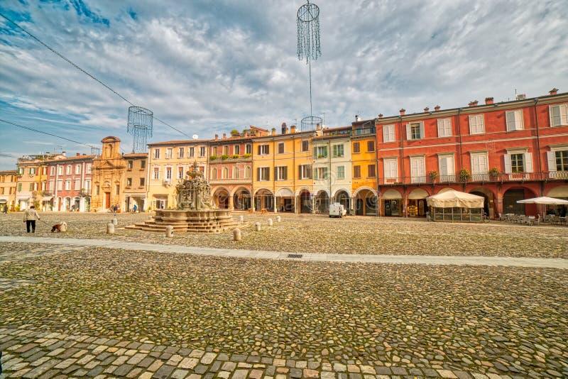 Huvudsaklig fyrkant av Cesena royaltyfria bilder