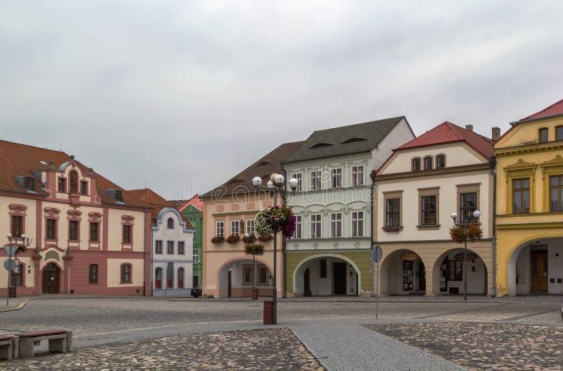 Huvudsaklig fyrkant i Kadan, Tjeckien royaltyfri bild