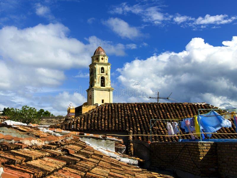 Huvudsaklig fyrkant i Trinidad, typisk sikt av lilla staden, Kuba royaltyfria foton