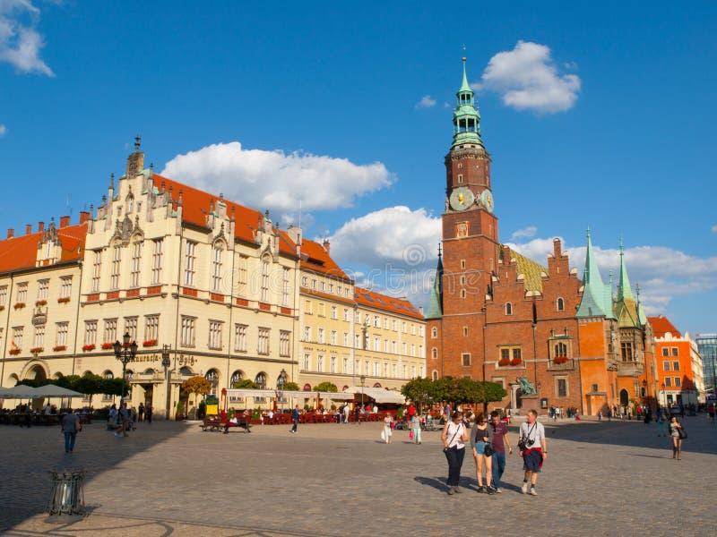 Huvudsaklig fyrkant och stadshus i Wroclaw royaltyfri foto