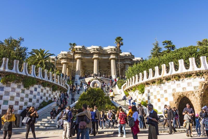 Huvudsaklig ingång som parkerar Guell Det byggdes byggt från 1900 till 1914 av Antoni Gaudi fotografering för bildbyråer