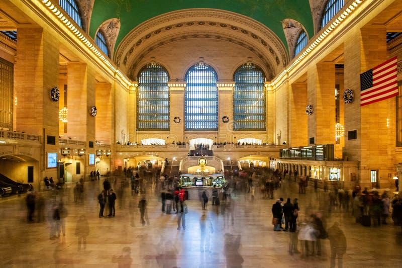 Huvudsaklig korridor av den Grand Central stationen royaltyfria bilder