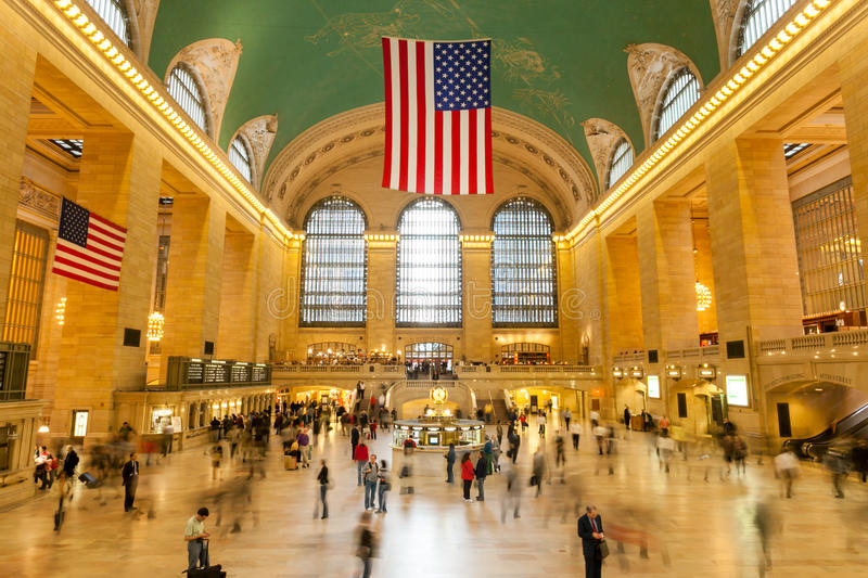Huvudsaklig lobby på den Grand Central terminalen i New York City arkivbilder