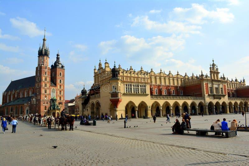 Huvudsaklig marknadsfyrkant, Krakow, Polen arkivfoton