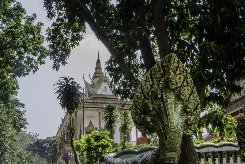Huvudsaklig sikt av Wat Leu Buddhist den buddistiska templet Sihanoukville Cambodja fotografering för bildbyråer